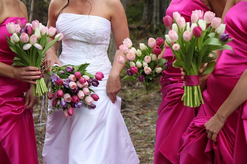 Tavasti tulipán menyasszonyi csokor