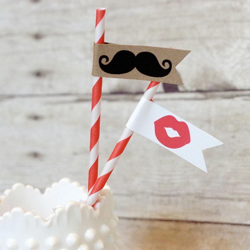 Bajusz eküvői ültetőkártya