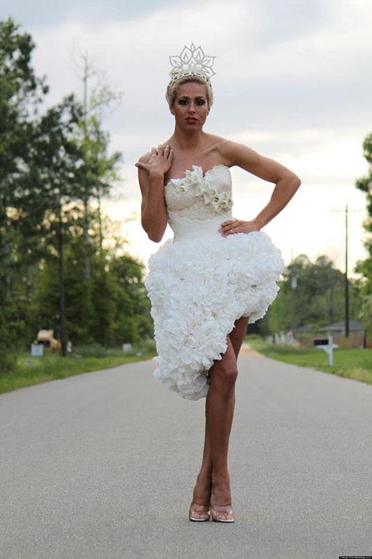 Papír menyasszonyi ruha