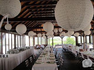esküvői dekoráció lampionokkal