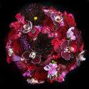 Lila, bordó, piros menyasszonyi csokor