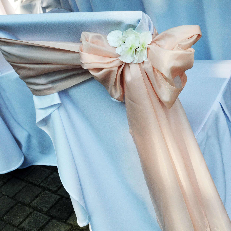 Esküvői dekoráció, székszoknya és masni - Wedding Factory