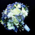 Fehér, kék menyasszonyi csokor