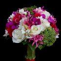 Fehér, lila, zöld menyasszonyi csokor