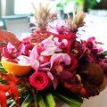 Bordó - pink esküvői dekoráció, főasztaldísz
