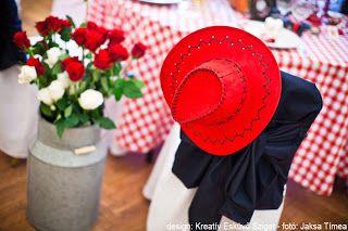 country kalap rózsacsokor