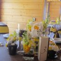 Sárga-barna esküvői teríték