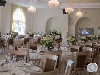 fehér esküvői teríték