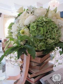fehér rózsacsokor asztaldíszek
