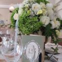 fehér rózsacsokor asztaldísz