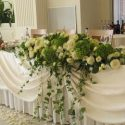 fehér rózsacsokor főasztaldísz