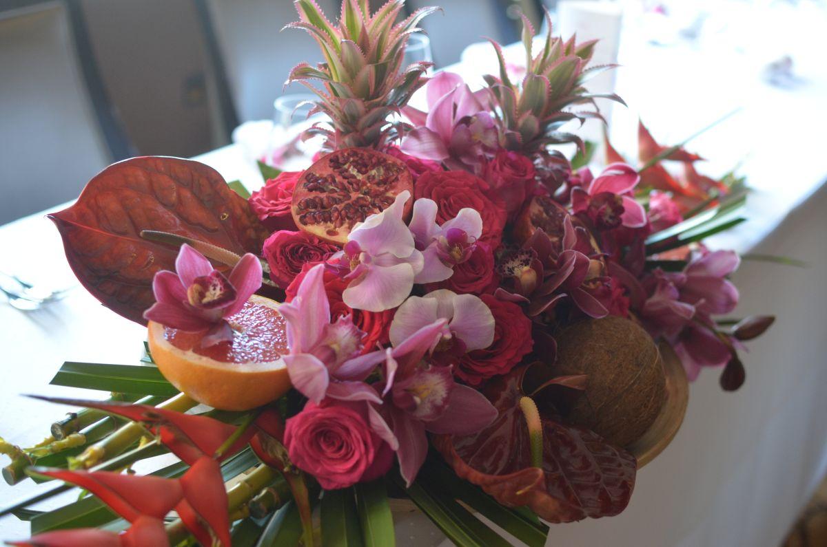 gyümölcsös bordó pink virágcsokor