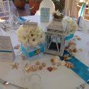 Kék-fehér esküvői asztaldísz