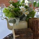 Fehér esküvői asztaldísz