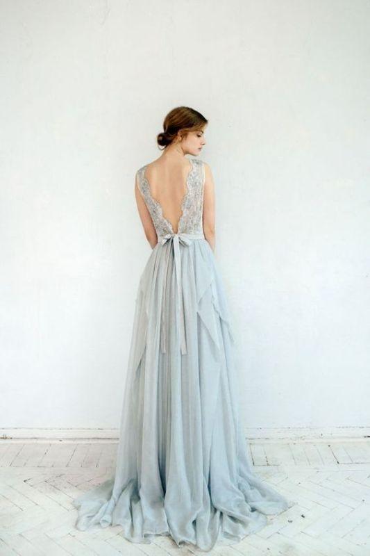 Halványkék menyasszonyi ruha