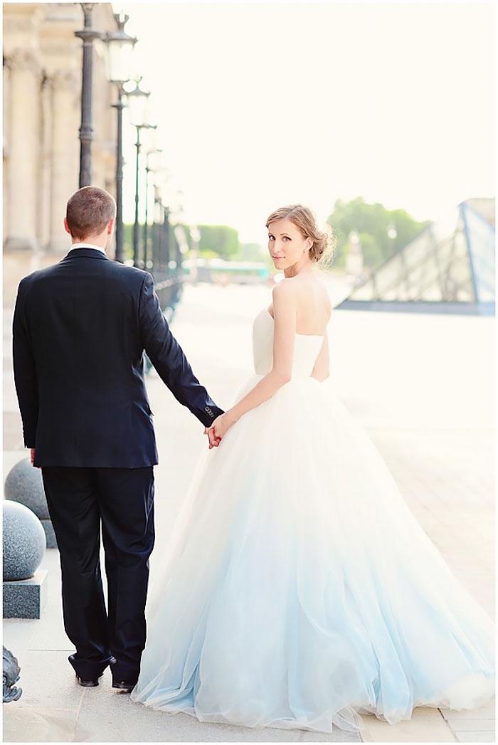 Világoskék menyasszonyi ruha