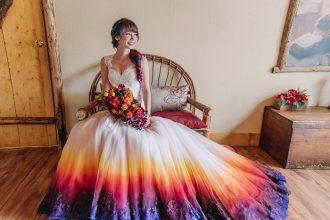 Színes menyasszonyi ruha