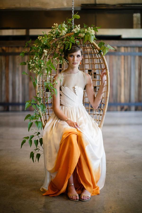 Narancs szegélyű menyasszonyi ruha
