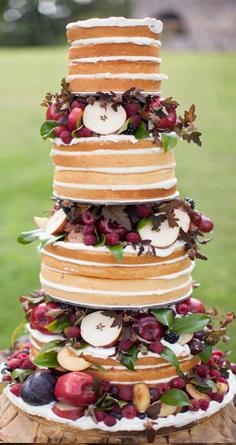 Gyümölcsös esküvői torta