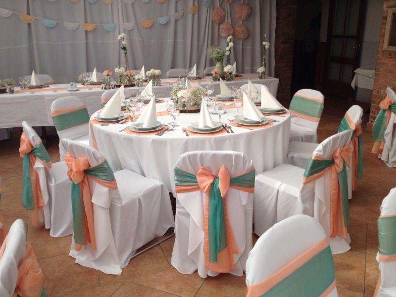Menta és barack esküvői dekoráció