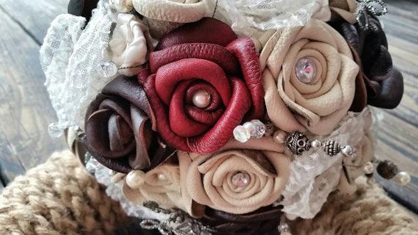 Bőr menyasszonyi csokor