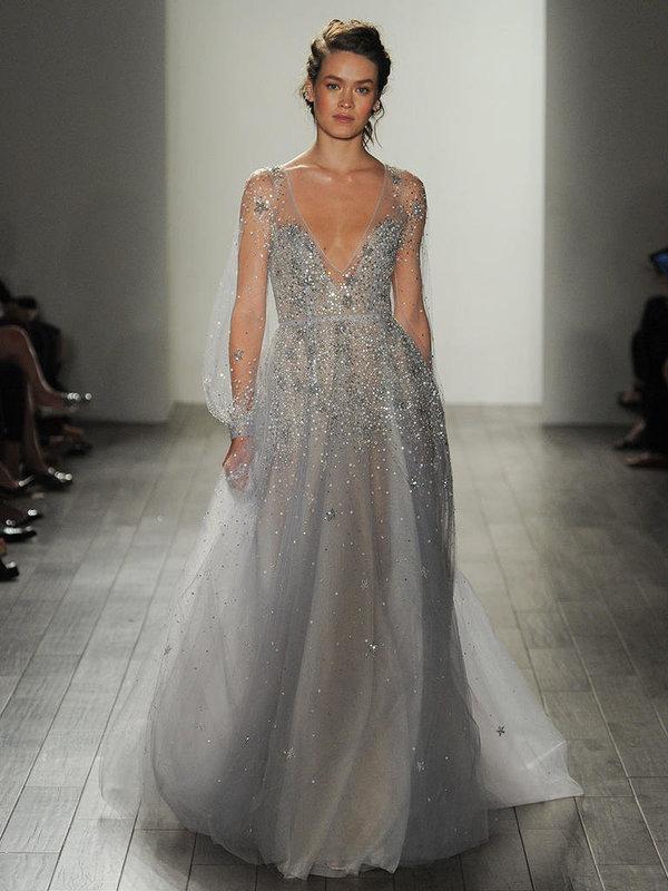 Szürke menyasszonyi ruha