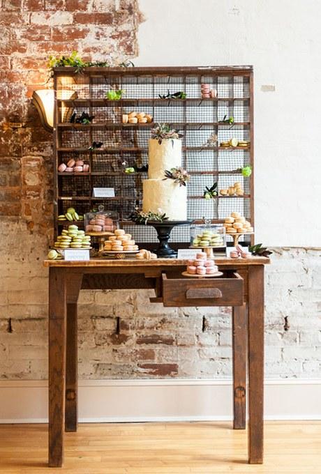 Postás desszert asztalka