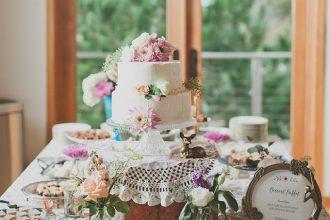 Romantikus desszert asztal