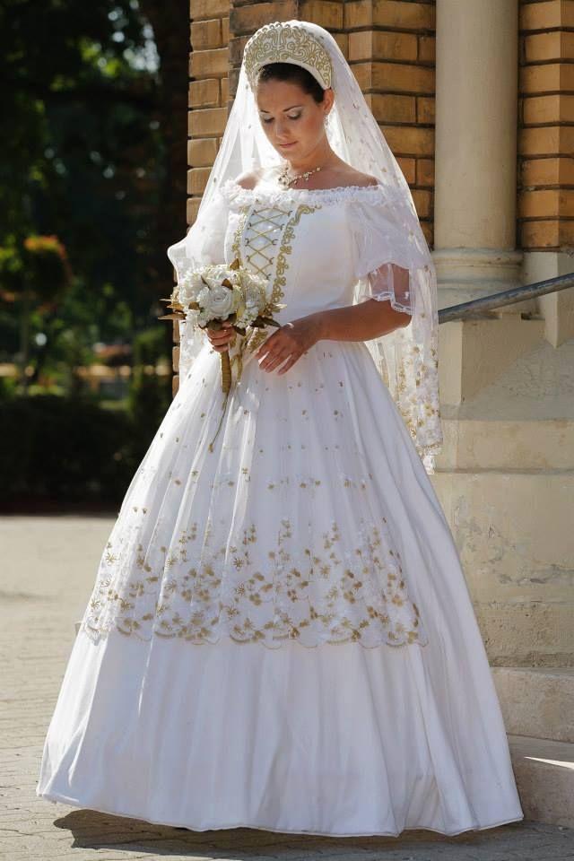 65358a52ff Tradicionális magyar esküvő | WeddingFactory