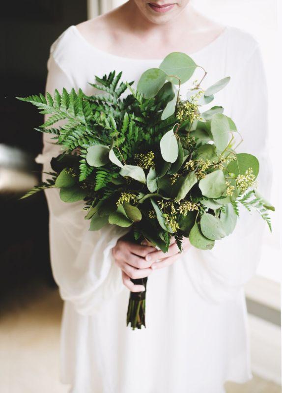egyszerű greenery menyasszonyi csokor