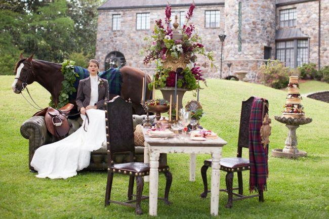 Arisztokratikus lovas esküvői dekoráció